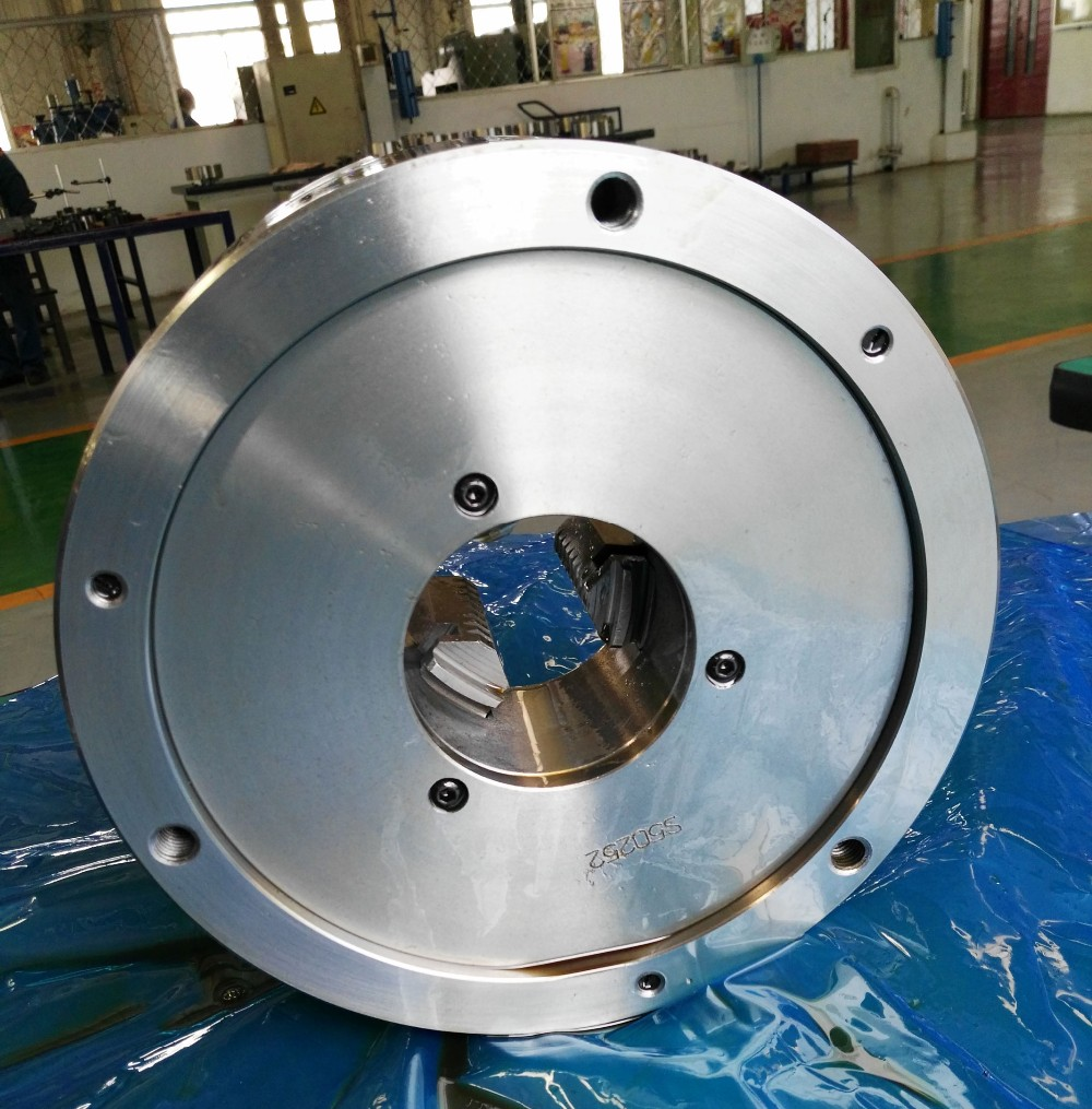 Self-centering 3-jaw lathe Chuck