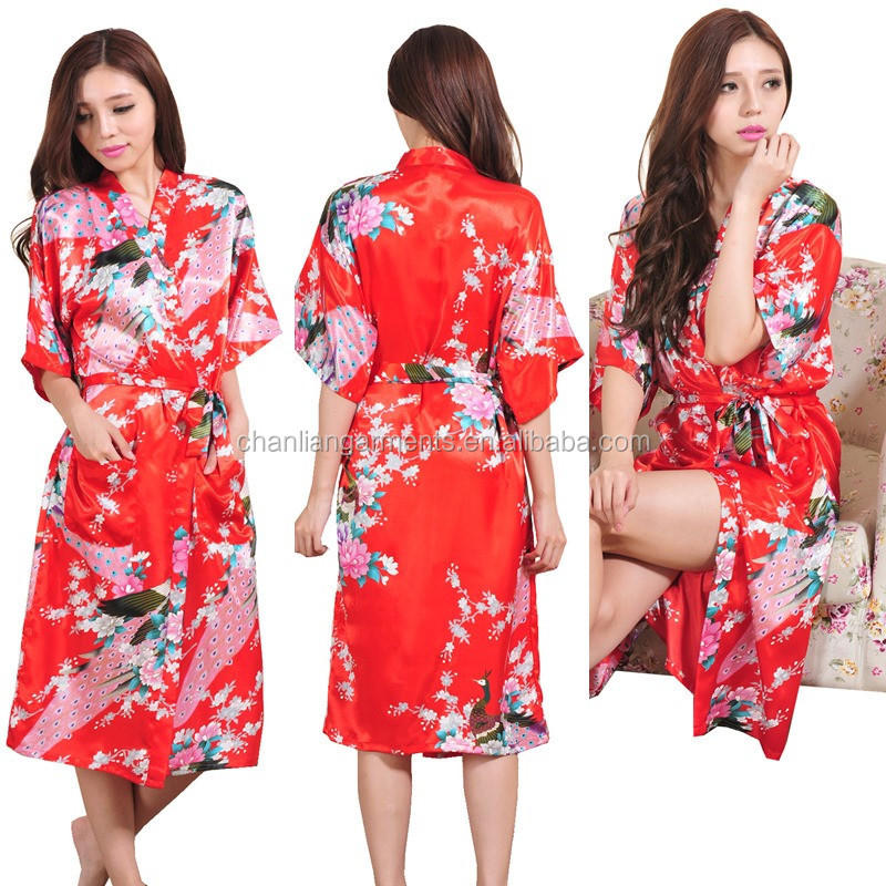 Wholesale 2017 most popular silk kimono high quality floral print nightwear satin spa bathrobe for bridesmaid gift