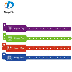 New Design Happy Face/ Emoji Plastic Composite Bracelet/Wristband