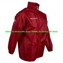 breathable and waterproof foldable rain jacket