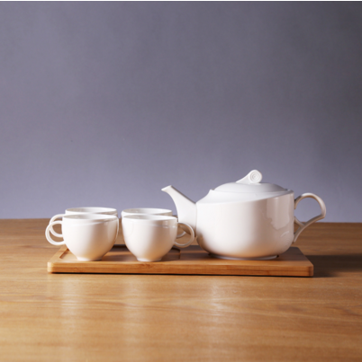 Four Cup One Pot A Tea Set with Plain Wooden Tray for Decorative Home Decor Tableware