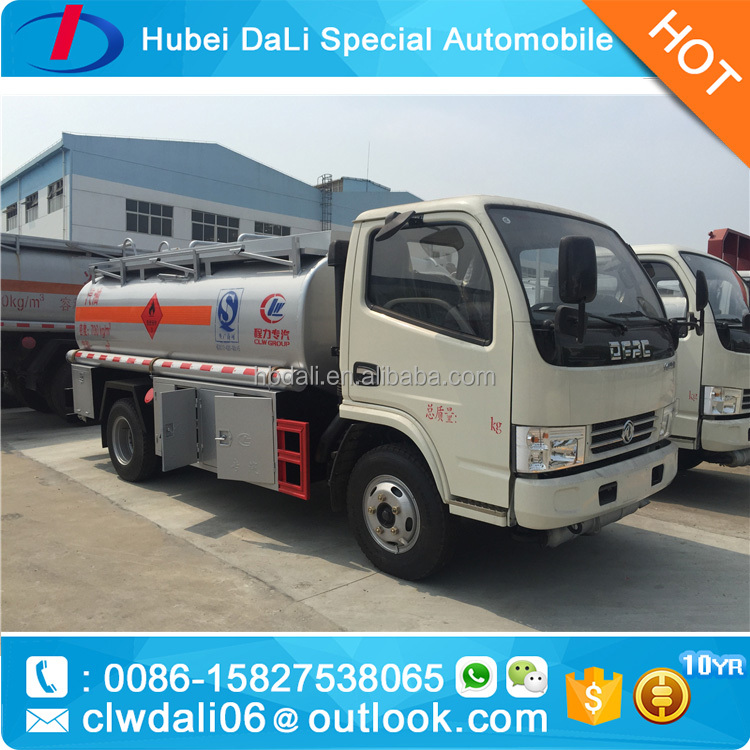 hot sale Dongfeng 4x2 small refueling truck 7000L fuel tank truck for Tanzania