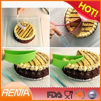 RENJIA Hot Sale Simple cake cutting knives Silicone Cake Knife Baking Utensils