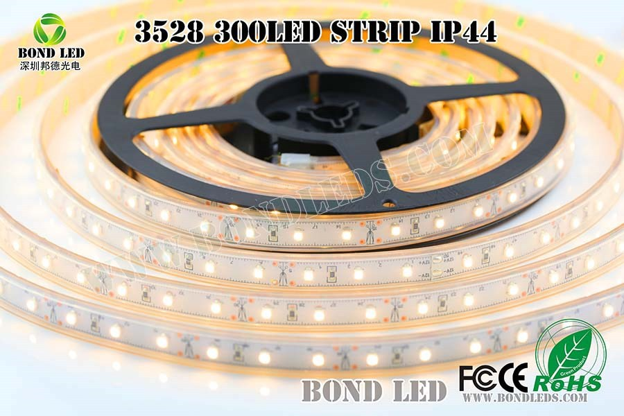 CE/RoHs Waterproof RGB IP65 led light strip 4.8W/M SMD 3528 flexible battery powered LED strip light solar outdoor lighting