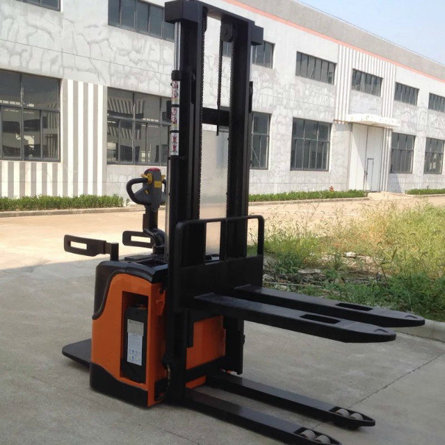 1500kg 1800kg small electric stacker forklift with CE