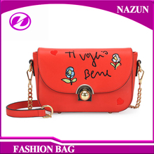 2016 customized new arrival trendy printed flowers pu leather mini handbags with long steel chains