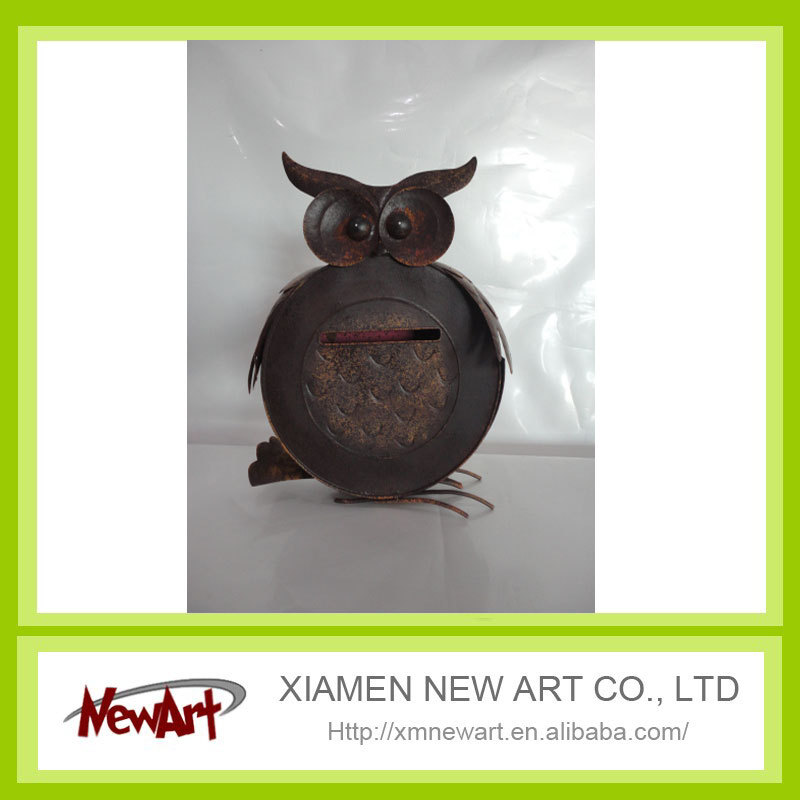Hanging on the wall metal owl mail box movable partition wall for art gallery