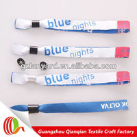 Free samples personalized handicraft thread and fabric wristband for cheap