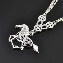 Valentine Day's Gift Magnetic Sparkling Silver Horse Shape Earrings Necklace Jewelry Set