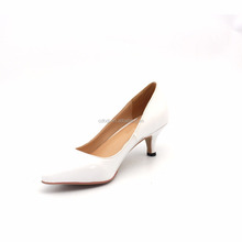 classical lady work shoes low heel white pointed toe shoes
