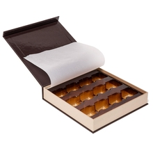 Custom luxury chocolate gift boxes with paper divider