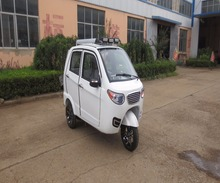 Chinese enclosed cabin 3 wheel passenger motorcycle moto taxi for sale