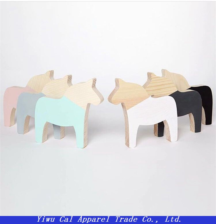 Nordic style Wood pony shape home decoration