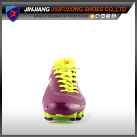 2014 No Glue New Top Injection Mould Design Soccer Shoe