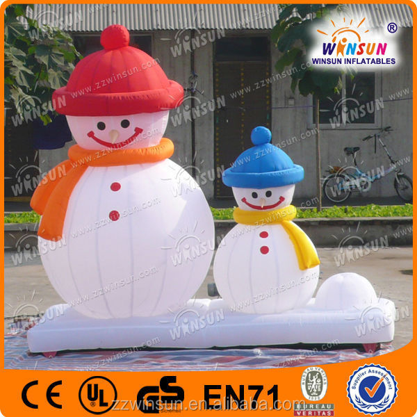 Newest design CE decoration inflatable christmas snowman with wreath
