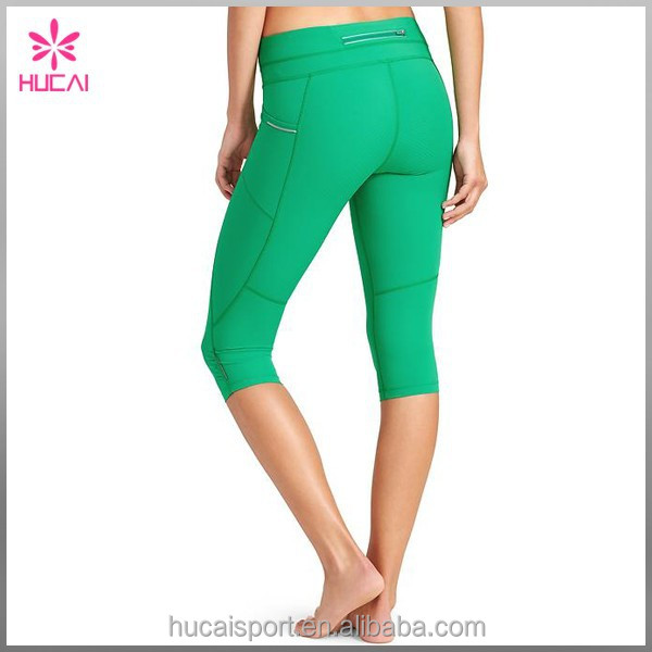 Custom Stretch Fit Mid-rise Gym / Training Capri Pants Women Tight Leggings