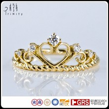 Delicate Vintage Heart Crown Shaped Diamond Women Rings in Yellow Gold For Anniversary Gift Engagement