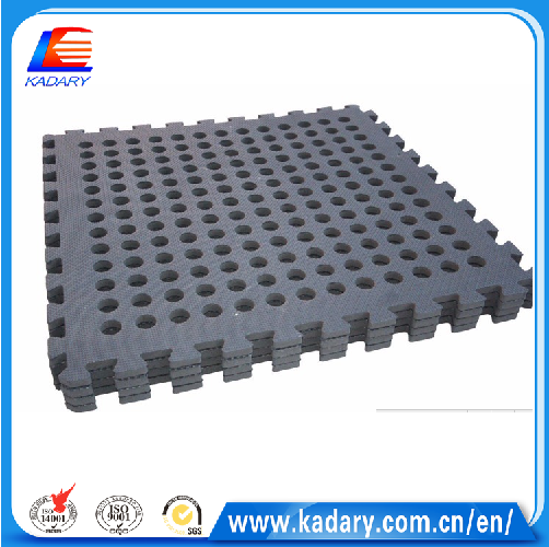 Cheap factory directly hole mat used in meadow