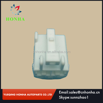 Sumitomo white color female car electrical connector 6098-0325