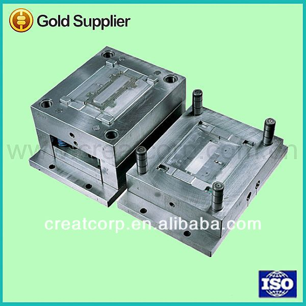 Low volumn plastic thin wall container injection molding
