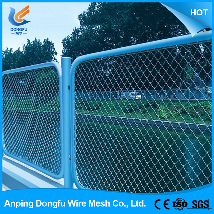 2016 High quality wholesale fashion chain link fence dog run
