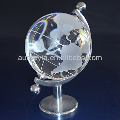 Engraving map crystal globe clock for sale