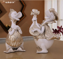 Wedding ceterpiece tiny figuriner resin decoration custom cartoon couple duck craft playing guitar resin gifts