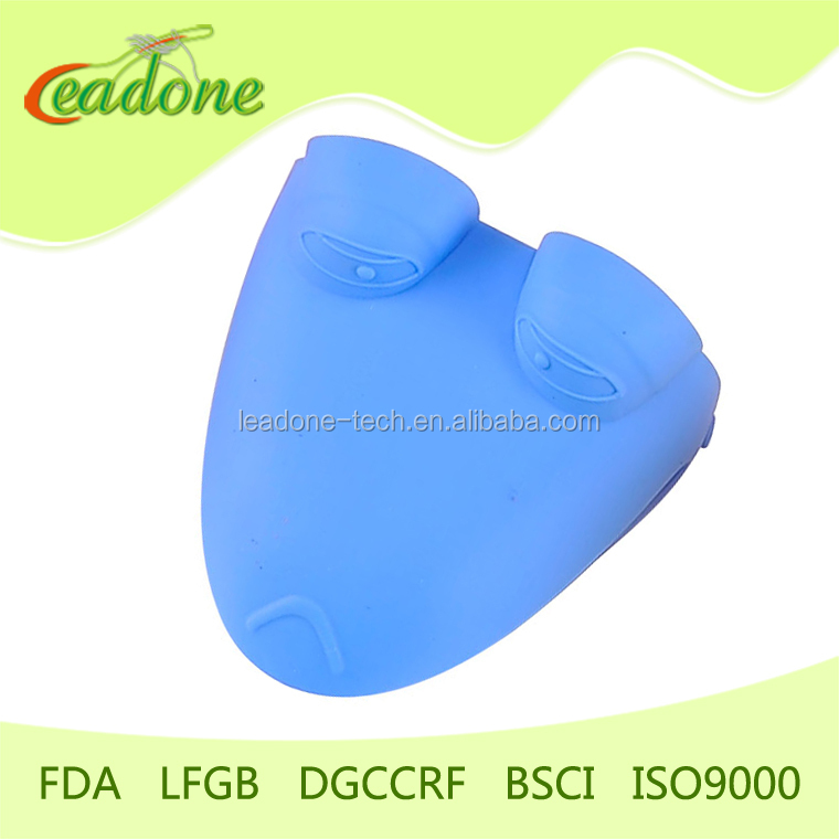hot silicone oven mitt on amazon.com