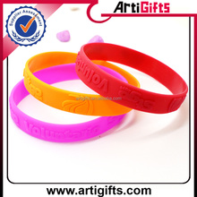 Promotional custom logo silicon pain relief wrist band