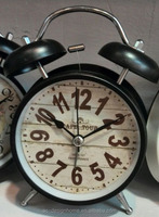 BLACK ROUND TABLE TOP DECORATIVE METAL TWIN BELL ALARM CLOCK
