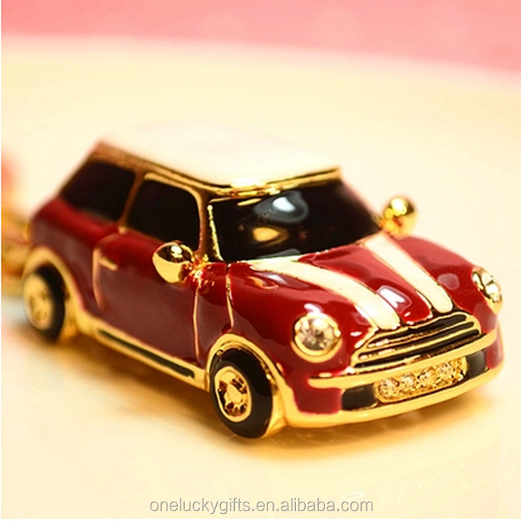 Hot sale <strong>BEETLE</strong> shape zinc alloy keychains/cartoon keychain for gifts and presents