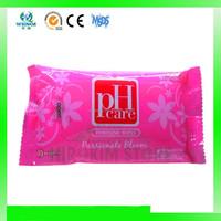 Cleaning wet wipe for feminine