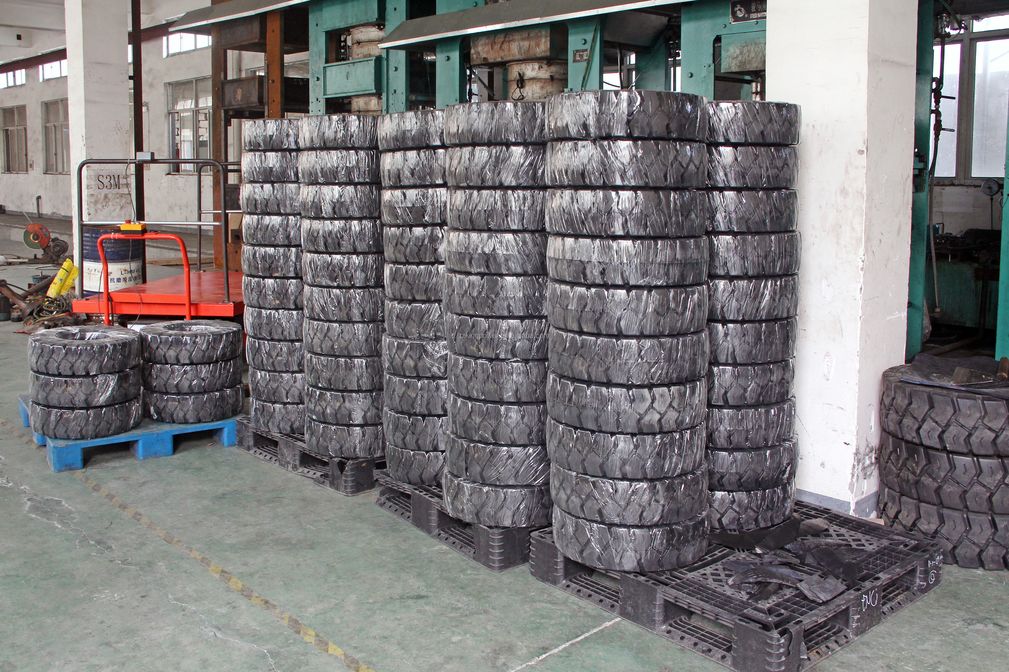 7.00-12 Rubber Solid Forklift Tire