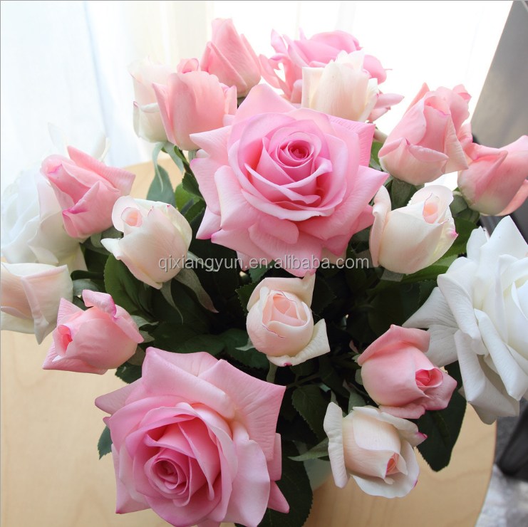 Beautiful hand natural rose <strong>flowers</strong> good for you