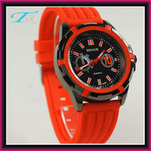 2013 silicone lady watch with alloy case and silicone band quartz movement inside
