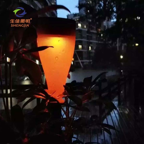 Consumer electronics Wireless Bulk Buying decorative solar garden light Balcony led solar lamp night light made in China