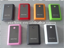 universal portable mobile phone 8400mah power bank for traveling and hiking