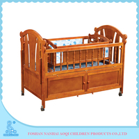 0289B Solid Wood High Grade Portable Baby Cot Dimensions With Cradle