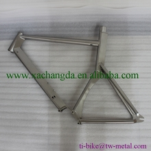 Titanium road bike frame with integrated seat post XACD titanium track bicycle frame with inner cable Custom bike frame Pinion