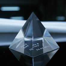 K9 High Quality Blank Crystal Glass Pyramid for Paperweights --Free Engraving