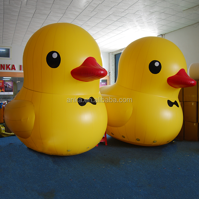 Customized size PVC Tarpaulin cute cartoon giant inflatable duck for indoor/ outdoor use