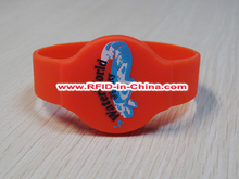 Fudan F08 RFID Design Your Own Silicone Wristbands/HF 13.56Mhz Passive RFID Rubber Wristbands by China Best Producer