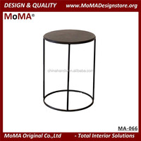MA-066 Design Round Living Room Black Metal Side Coffee Table With Solid Wood Table Top