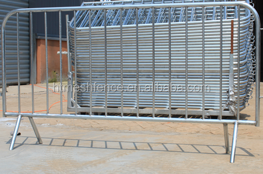 metal road safety hot-dipped galvanized crowd control barrier fence