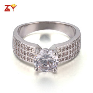 Low Price Classic Design Plated White Gold Men Ring with Round CZ