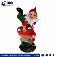 Custom polyresin funny small garden gnome figurine with mushroom