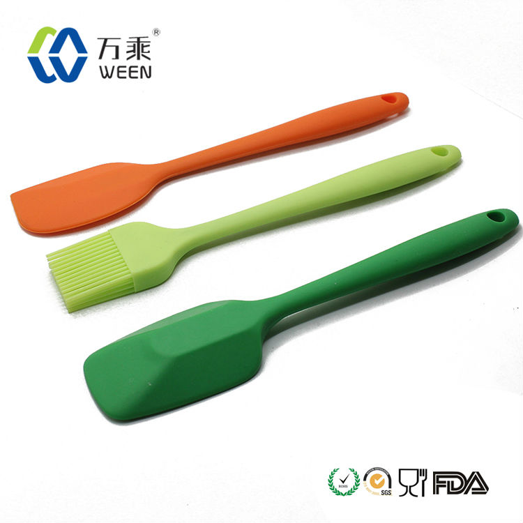 BPA free screen printing silicone spatula with wooden handle for christmas