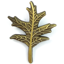 Cheap Custom Design Souvenir Fashion Die Cast Gold Metal Leaves Pin Badge Crafts