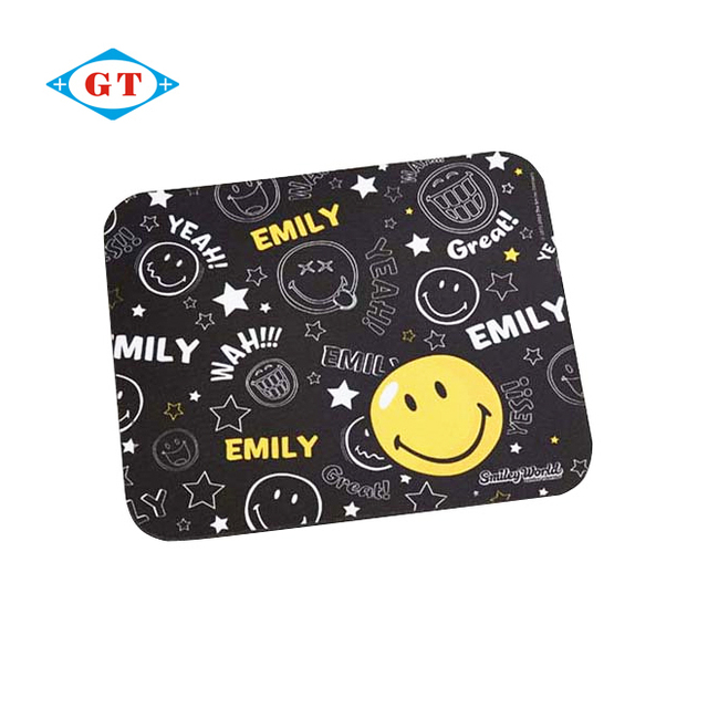 2016 wholesale cheap printed silicone rubber game mouse pad