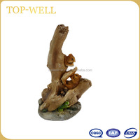 Hot sell animal resin home decoration resin gift for chirden lovely resin squirrel made in china